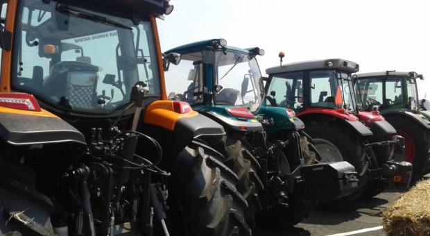 Dobre wyniki sprzedażowe nowych ciągników rolniczych w końcówce 2020 r.