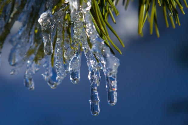 Synoptyk: nadchodząca noc mroźna i z opadami; będzie znacznie cieplej