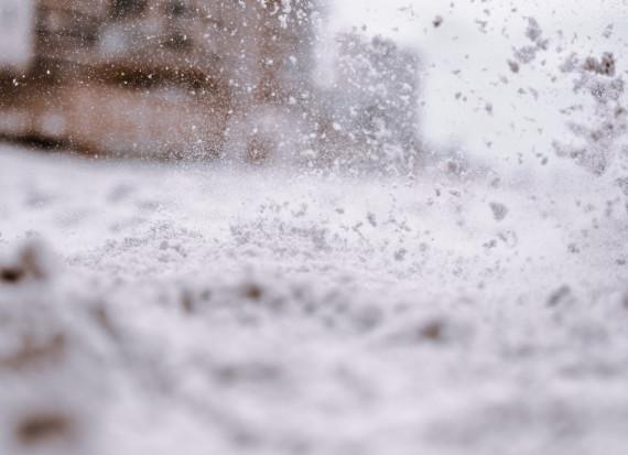 IMGW: Intensywne opady śniegu na północnym wschodzie Polski