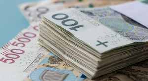 PIE: w tym roku niższy wzrost wynagrodzeń pracowników najmniej zarabiających
