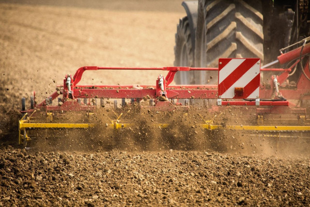 Posłowie: cele nowej wspólnej polityki rolnej są trudne do pogodzenia