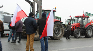 Rolnicy przyjechali do premiera z pytaniem. Rozmowy jednak nie było!