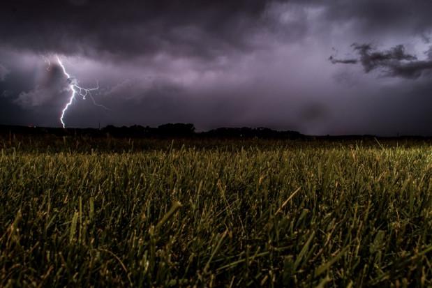 IMGW: możliwe burze z opadami deszczu, a także gradu