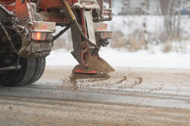 IMGW ostrzega przed oblodzeniem i opadami śniegu; alerty dla 11 województw