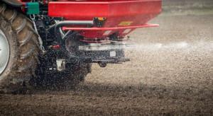 Nowy wymóg przy zakupie nawozów azotowych niepokoi rolników
