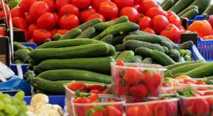Lockdown zakłócił handel w Broniszach - jakie ceny owoców i warzyw?