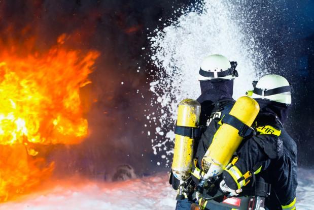 Pożar w gospodarstwie sadowniczym k. Warki - straty wynoszą ok 1,5 mln zł