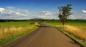 Rząd przeznaczył ponad 30 mld zł na gminne drogi
