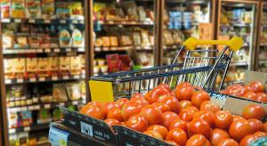 Pandemia zwiększyła obroty rynku spożywczego; klienci szukają oszczędności