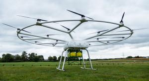 Francuzi testują dron opryskujący - jakie korzyści?