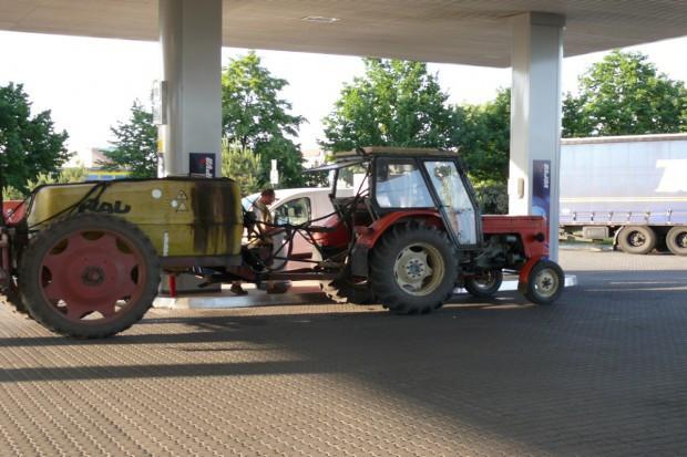 Analitycy: niewielki potencjał wzrostu cen benzyny i diesla