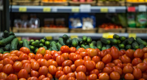 W sklepach spadają ceny owoców i warzyw (analiza)