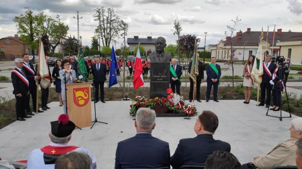 W Belsku Dużym odsłonięto pomnik prof. Eberharda Makosza
