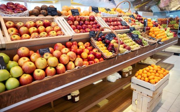 Lidl przecenia polskie jabłka i szparagi; Biedronka - rzodkiewki