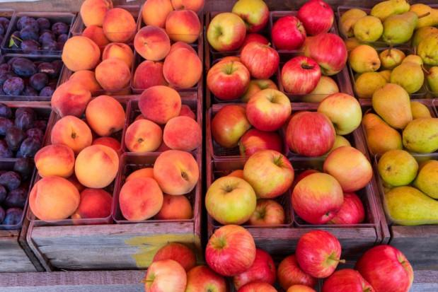 Credit Agricole: Niższe zbiory owoców będą sprzyjać wzrostowi cen