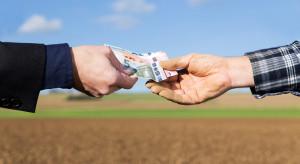 Drobni rolnicy stają się ofiarami lichwiarskich firm pożyczkowych?