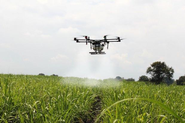 MRiRW: drony mogą być wykorzystywane m.in. w pomiarach pól
