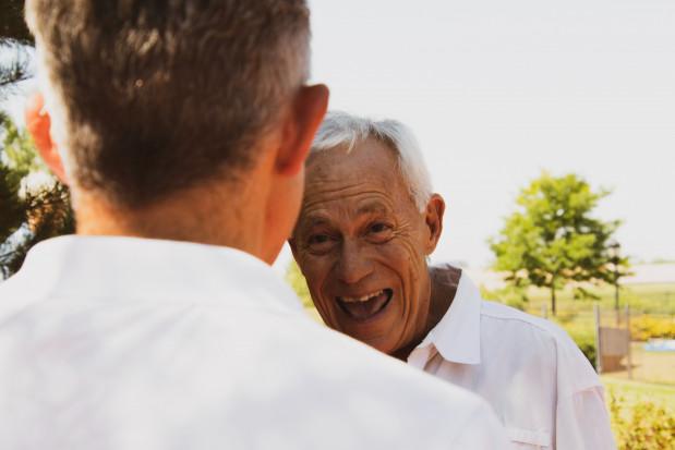 Gospodarstwa rolne będą wspierać osoby starsze i samotne? Projekt MRiRW