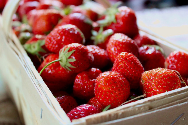 Sezon truskawkowy w pełni. Jak kształtują się ceny?