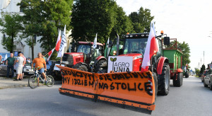 Łódzkie: w Srocku opodal Piotrkowa Trybunalskiego na dk 12 blokada Agrounii