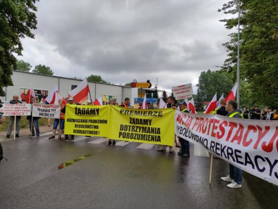 Trwa protest rybaków i rolników z Agrounii we Władysławowie