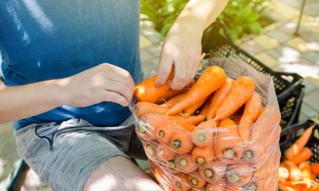 Rząd przyjął projekt noweli ustawy mający ułatwić rolnikom prowadzenie handlu detalicznego
