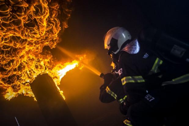 Łódzkie: Do 10 lat więzienia grozi zatrzymanym podpalaczom stodoły