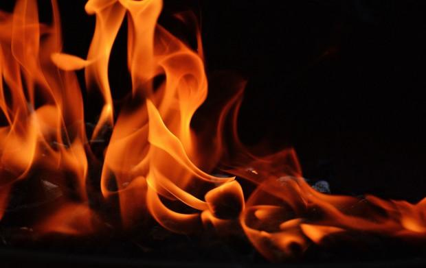 Dolnośląskie: Trzy osoby zginęły w pożarze stodoły