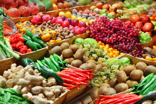 Analitycy: Ceny owoców notują długotrwały spadek, ceny warzyw rosną