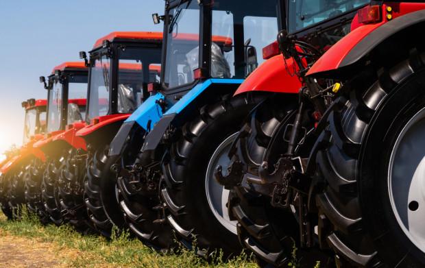 W dalszym ciągu utrzymuje się wysoka sprzedaż nowych ciągników rolniczych